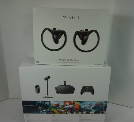 Very Good Used Working Oculus Rift CV1 Virtual Reality + 2 Touch Controllers C33