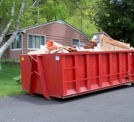 Six Things To Consider When Hiring An Eco Dumpster Service